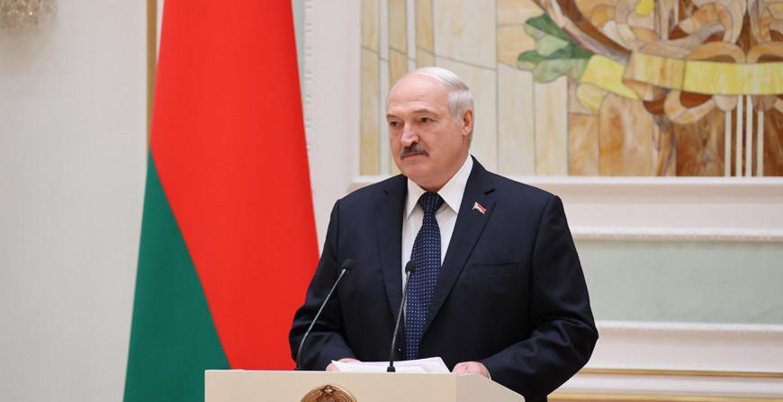 Начало новой традиции. Александр Лукашенко в преддверии Дня народного единства вручил госнаграды