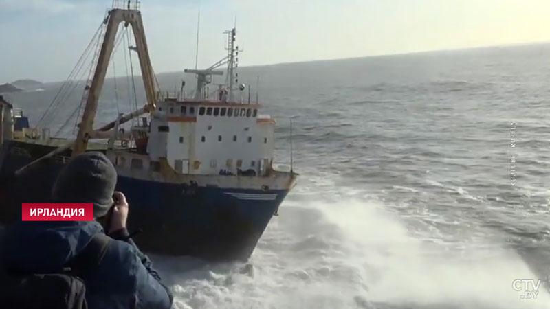 И ни одного пассажира. У берегов Ирландии был замечен корабль-призрак