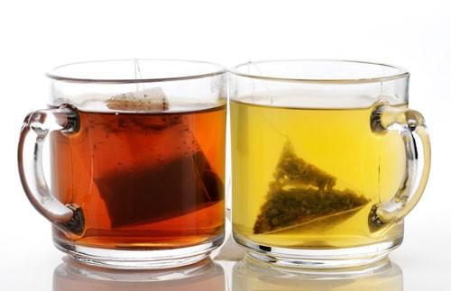 Вкусно, быстро, но вредно для здоровья: названа опасность чая в пакетиках