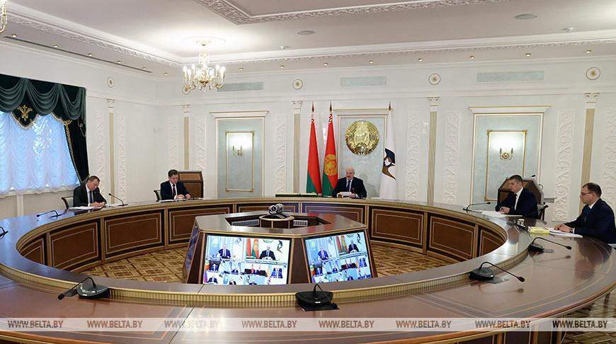 Александр Лукашенко принимает участие в саммите ЕАЭС. Что обсуждают главы государств?