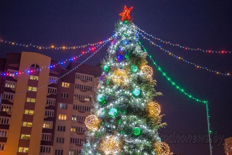 МЧС: в новогоднюю ночь количество вызовов спасателей увеличивается вдвое