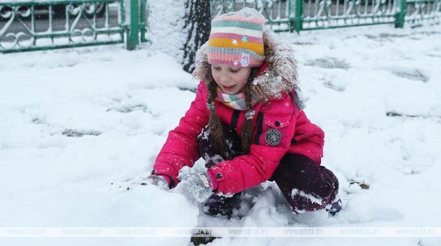 Гололед и сильный ветер ожидаются в Беларуси 30 декабря