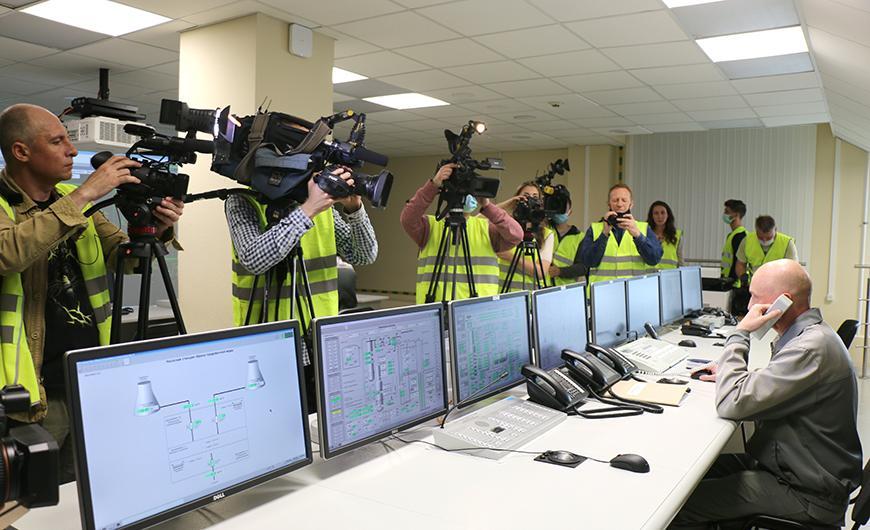 Журналисты побывали на Белорусской АЭС: посмотрели, как работает первый энергоблок, и стали свидетелями подписания акта его приемки