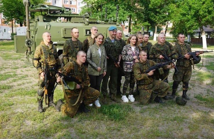 Сестры Груздевы специально для «ГП»: «Клипом «Белорусский парень» мы хотели сказать: «Девчонки, обращайте внимание на настоящих мужчин»