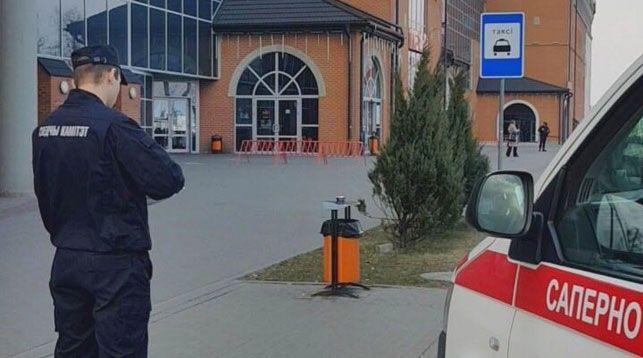 В Минске эвакуированы два торговых центра и железнодорожный вокзал