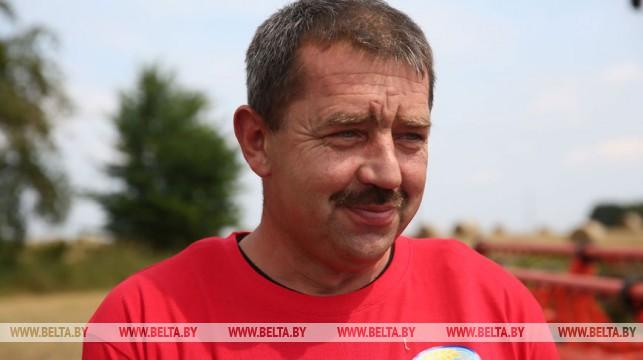 Комбайнер из Гродненского района первым в Беларуси намолотил 3 000 тонн зерна