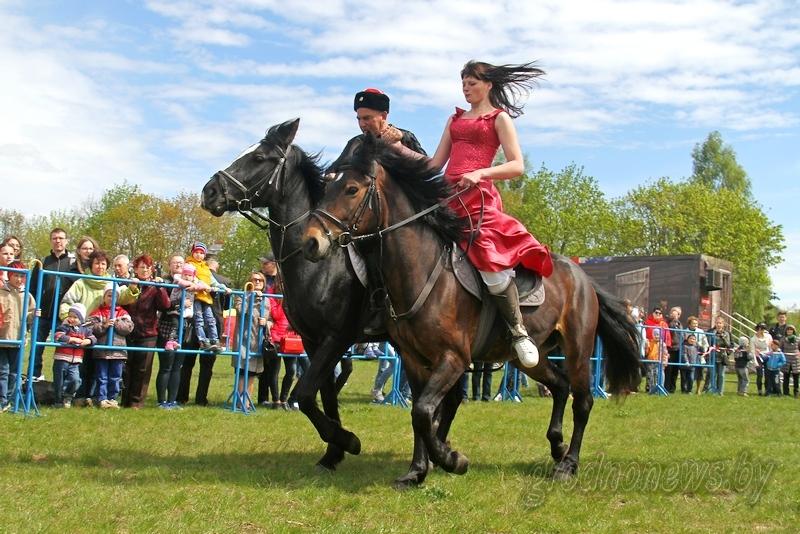 Бои «стенка на стенку» и конная джигитовка. Фестиваль славянских боевых искусств пройдет в Гродно