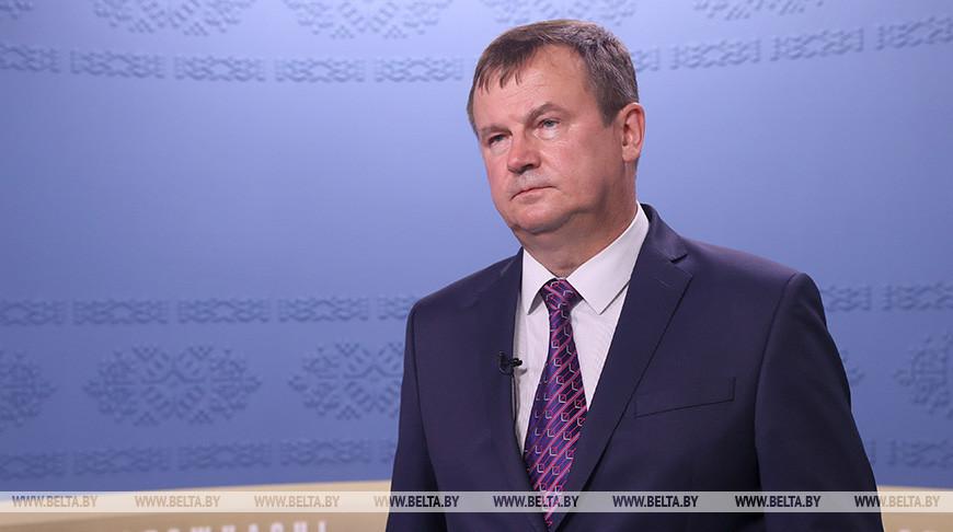 Андрей Равков призывает граждан опираться на свою землю, а не на импортные эмоции