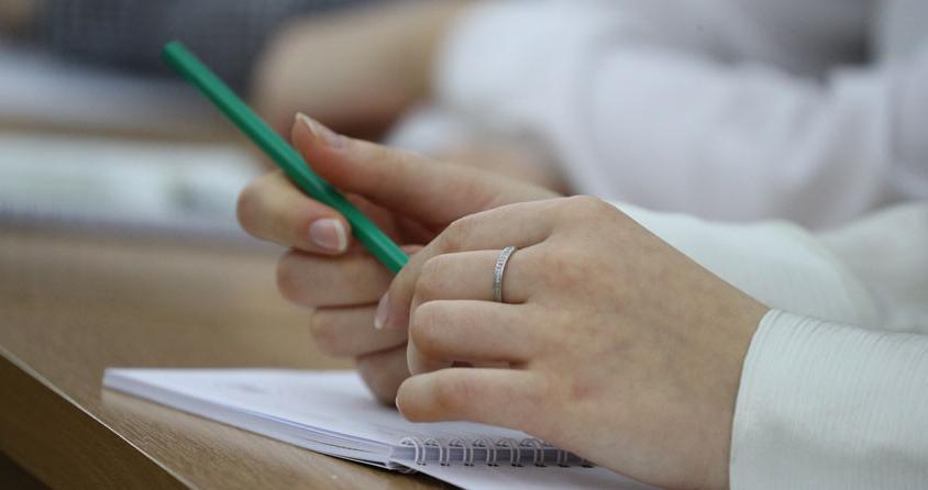 Введение национального госэкзамена для выпускников поддерживают более 60% учеников и родителей