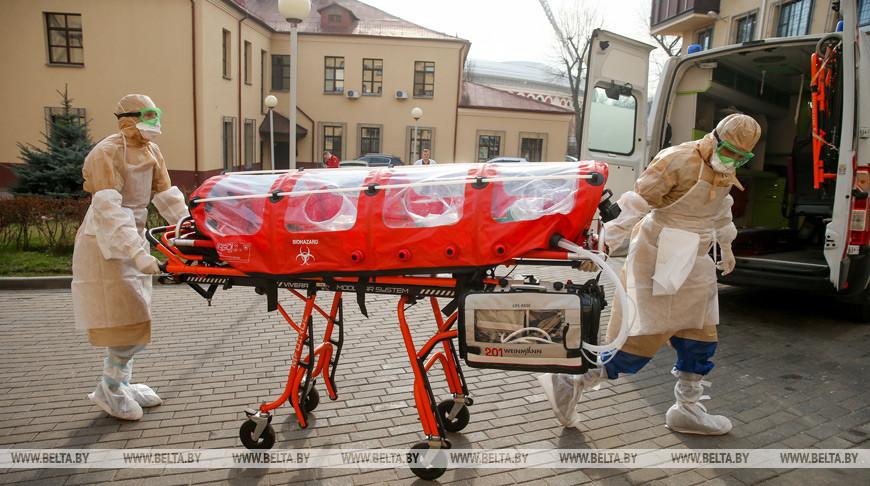 ФОТОФАКТ: Транспортировка пациента с коронавирусом