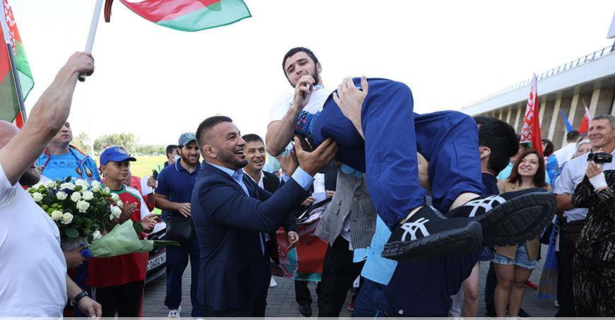 В Минске встретили белорусских борцов, призеров Олимпиады