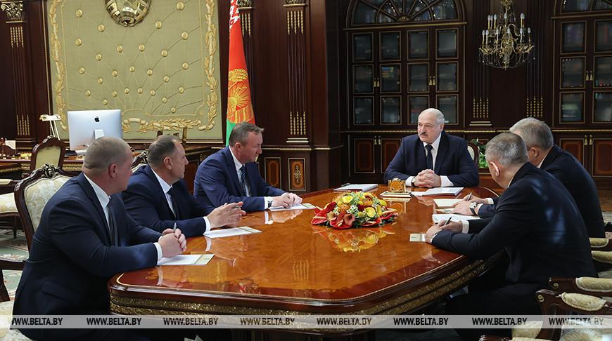 Александр Лукашенко: время требует верных и преданных государству людей, чтобы страну не порвали на куски