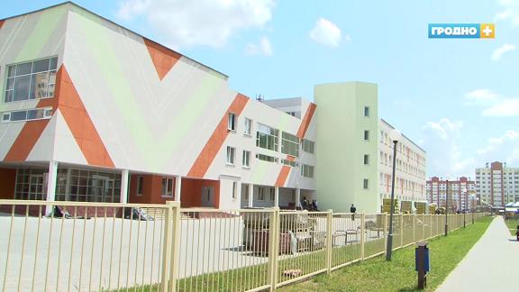 1 сентября на Ольшанке откроют самую большую школу области