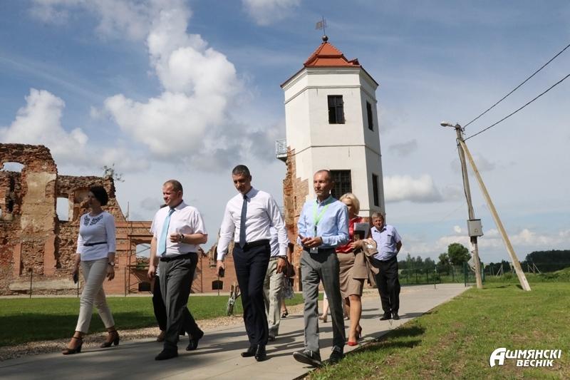 Министр культуры Юрий Бондарь с рабочим визитом посетил Ошмянский район