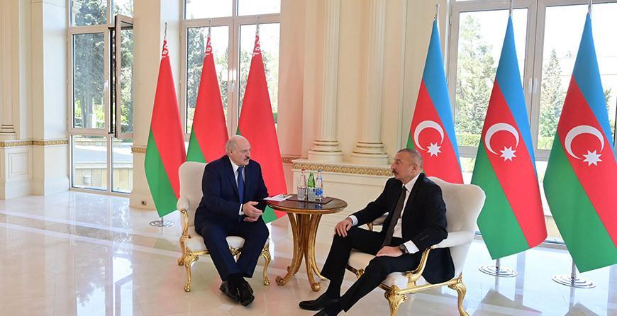 Александр Лукашенко и Ильхам Алиев провели телефонный разговор