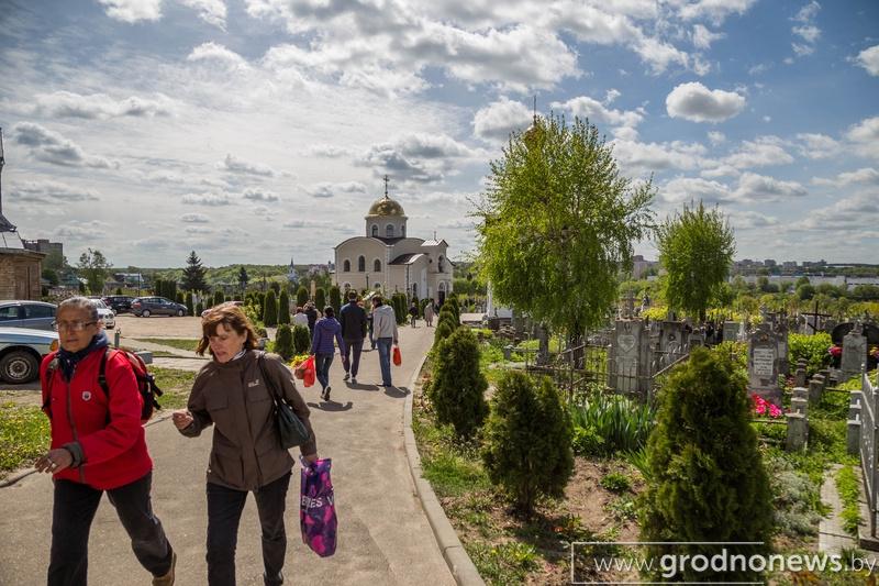 Санитарная служба области не рекомендует посещать кладбища на Радуницу