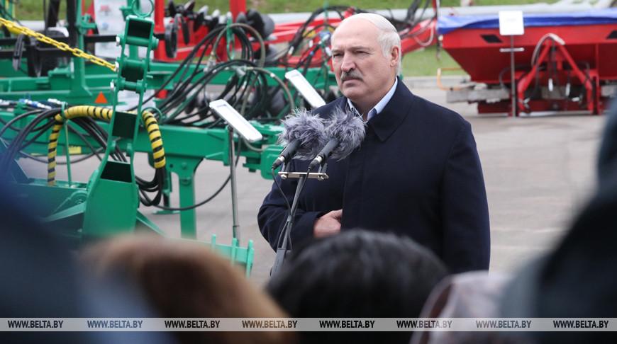 Александр Лукашенко поручил к 1 октября завершить в Беларуси сев озимых