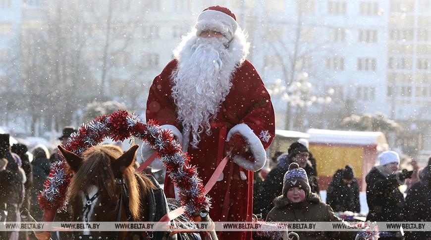 В Гродно Br104, в Лиде Br75 — инспекторы рассказали о ставке единого налога для Дедов Морозов