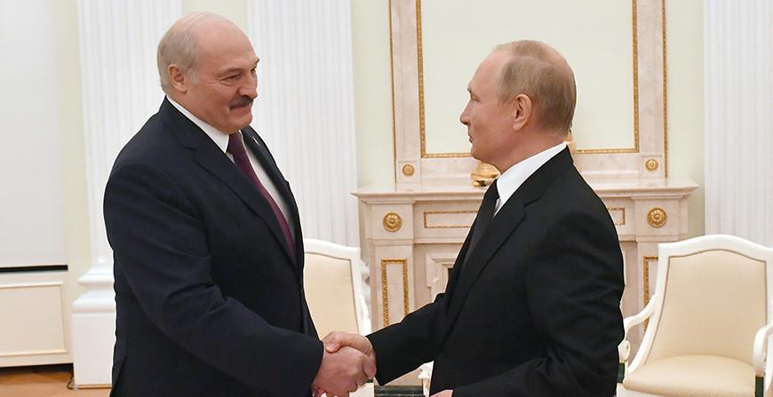 От поставок энергоносителей до соцгарантий. Александр Лукашенко раскрыл суть согласованных 28 союзных программ с Россией