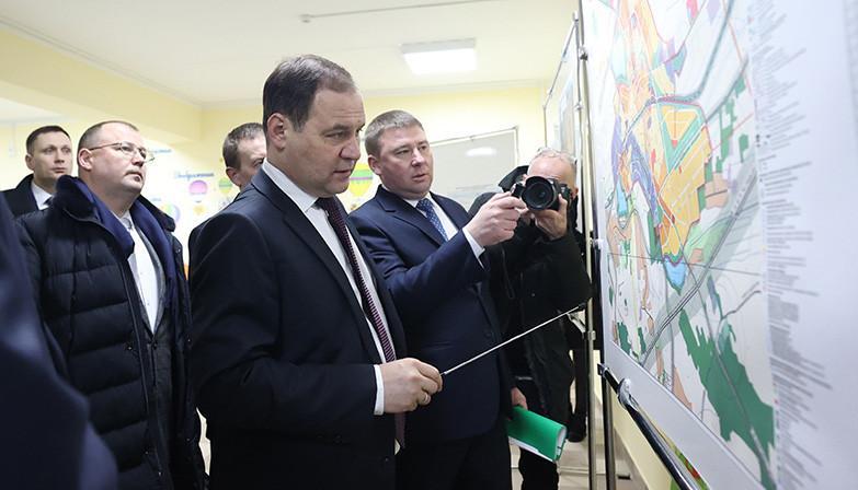 Роман Головченко: необходимо определиться с перспективами и поэтапностью застройки городов-спутников