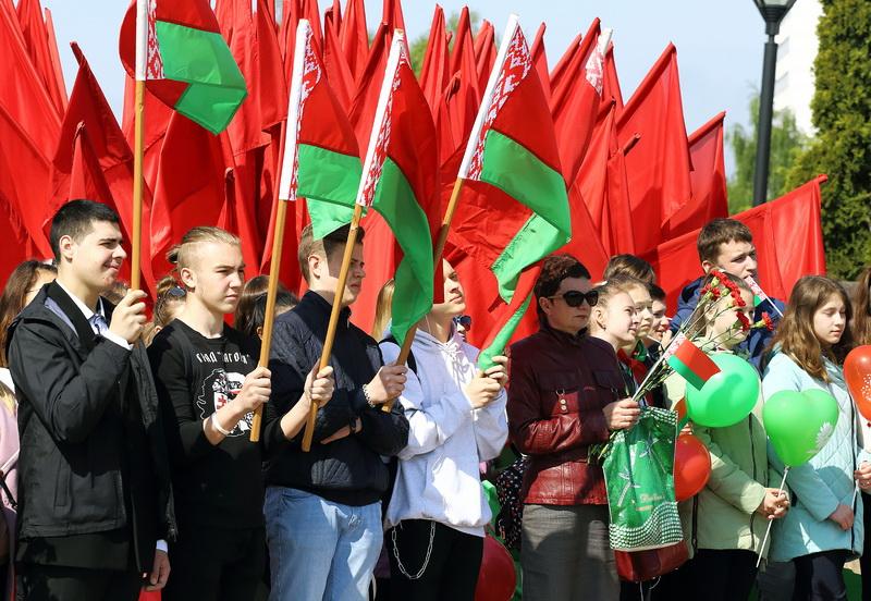 Объединяющие символы. День Государственного герба и Государственного флага Республики Беларусь празднуют в Гродно