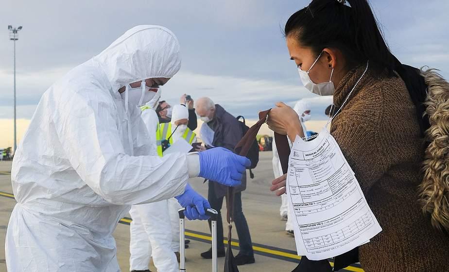 Число жертв коронавируса в Китае возросло до 2442 человек