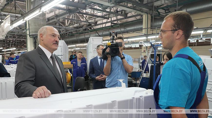 """""""Это пример для других"""" - Александр Лукашенко о работе """"Атланта"""" в период пандемии"""