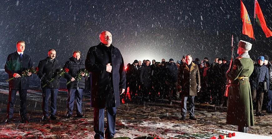 """""""Мы это помним, и в этом наша сила"""" - выступление Александра Лукашенко на митинге-реквиеме в Хатыни"""