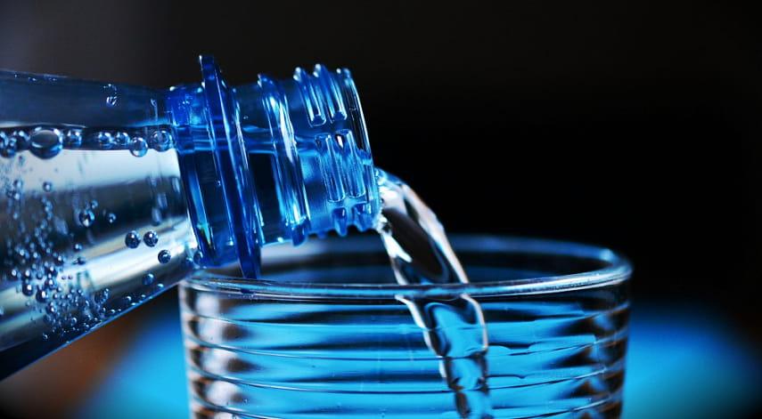 Названа опасность чрезмерного потребления обычной воды