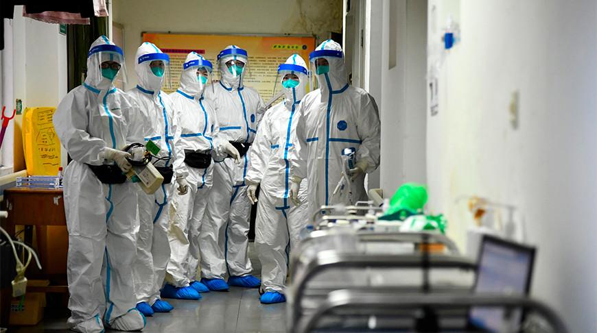 Число заболевших пневмонией нового типа в Китае увеличилось до 1330
