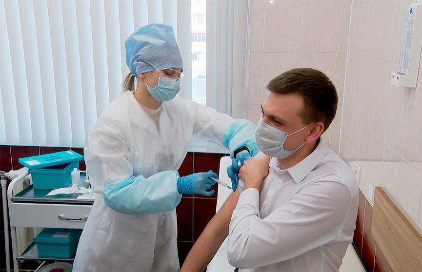 Четвертая волна COVID-19 пришла в Беларусь – врачи призывают белорусов продолжать вакцинироваться
