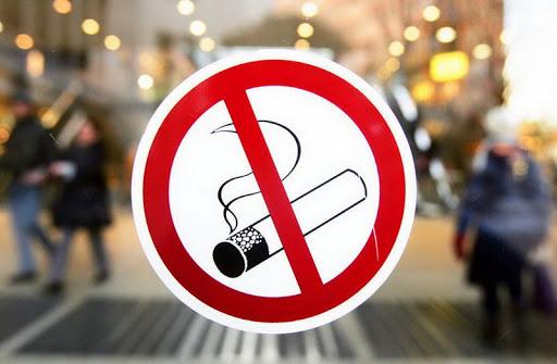 В подъезде и на перроне – без дыма. Соблюдают ли гродненцы антитабачное законодательство?