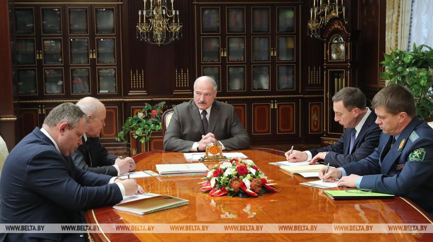 Александр Лукашенко потребовал не допустить серьезного роста цен на табачную продукцию