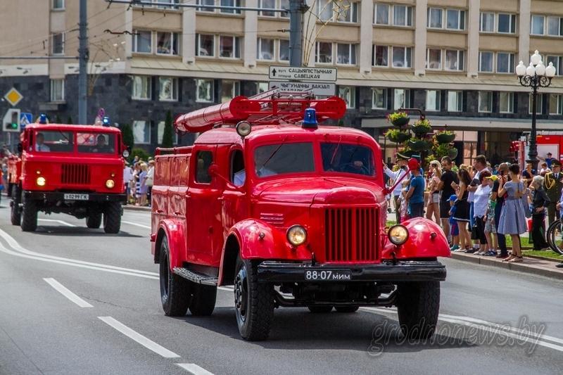 Выставке пожарной техники, кинологии и плац-концерт духового оркестра: как в Гродно отметят День спасателя