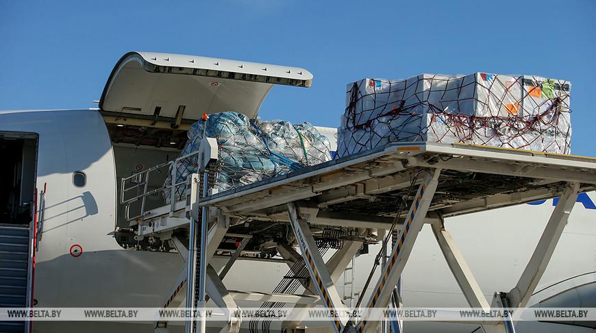 Медицинская гуманитарная помощь из Китая прибыла накануне в Беларусь.