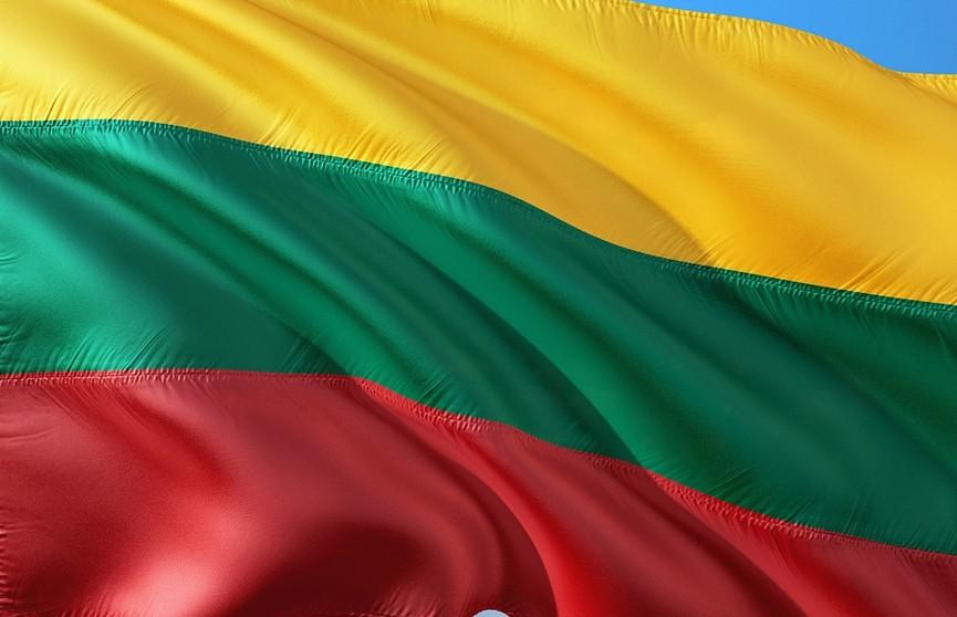 Китай остановил импорт из Литвы сыра, зерна и древесины