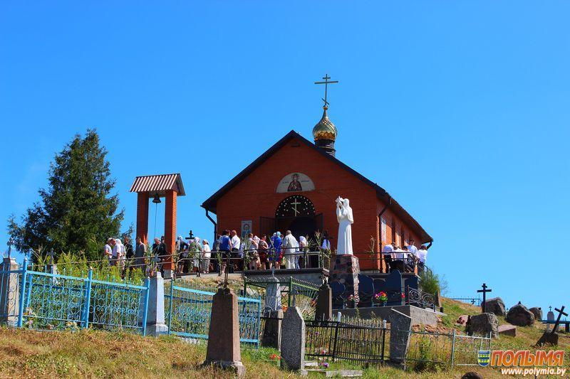 Чудесное творение рук Божьих и человеческих. В деревне Загорье освятили церковь в честь святой праведной Анны