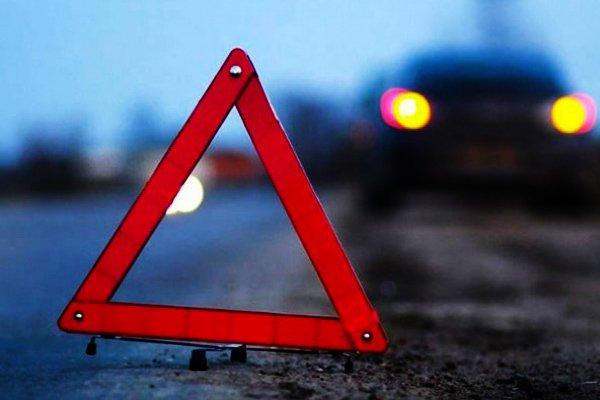 В Ошмянском районе ночью произошло серьезное ДТП. Водителя из легковушки доставали спасатели