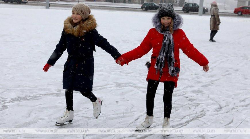 В Гродненской области планируется залить около 300 катков у школ
