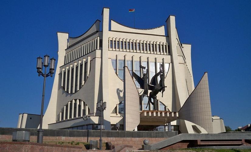 В Гродненском областном драмтеатре с 25 сентября приостановлен показ спектаклей. Деньги за проданные билеты вернут
