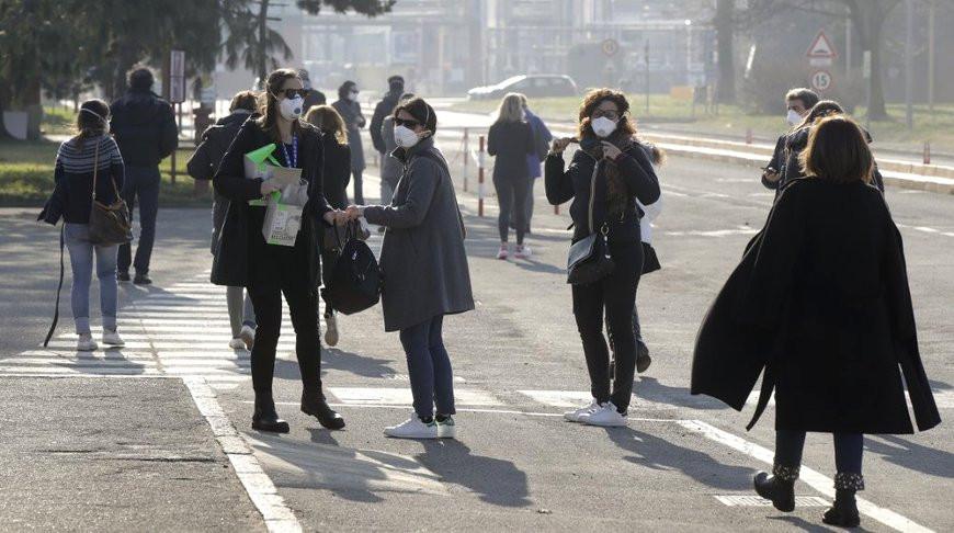 На севере Италии из-за коронавируса закрывают города