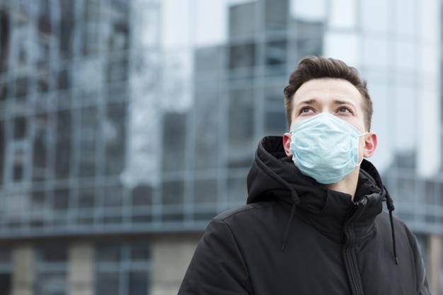 Инфекционист объяснил, когда медицинские маски можно не носить во время пандемии коронавируса