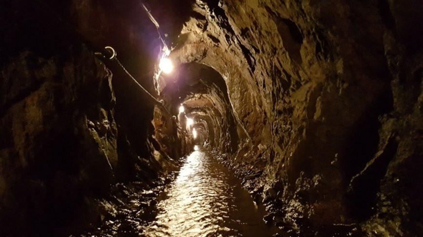 В Китае из затопленной шахты на поверхность подняли 329 человек