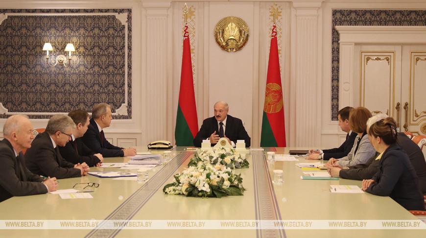 Тема недели: Александр Лукашенко провел совещание по эпидемиологической ситуации в Беларуси