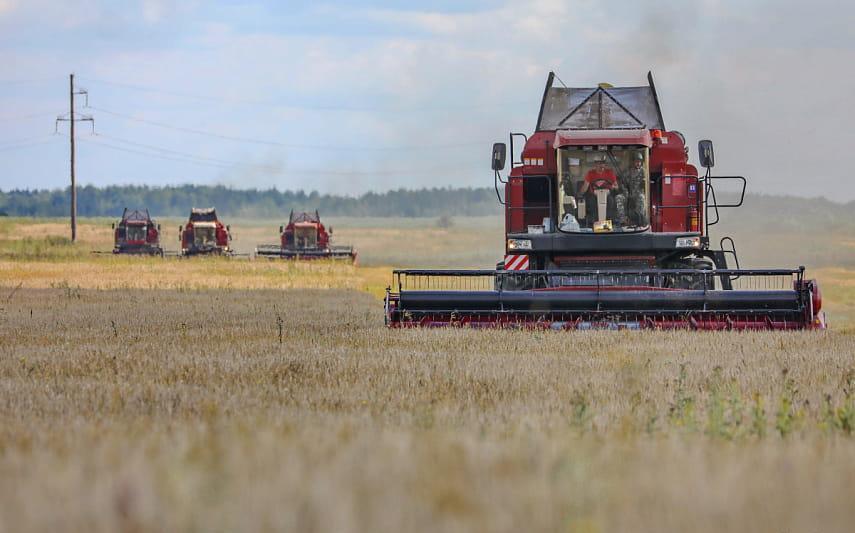 Белорусские аграрии намолотили более 5,8 млн тонн зерна