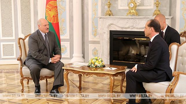 Лукашенко выступает за дальнейшее улучшение отношений Беларуси и Великобритании