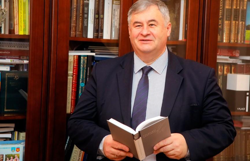 Министр информации Беларуси снялся в ролике для Tik Tok