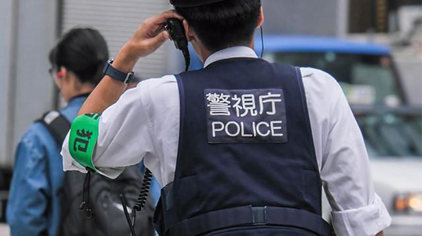 В Японии трех человек ранили при нападении на ресторан