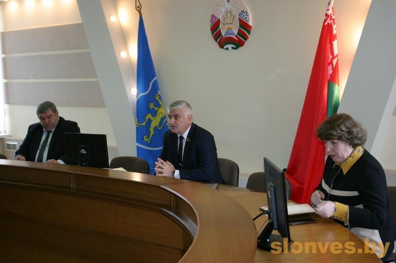 Депутат выступил с предложением об объединении пяти районов Гродненской области