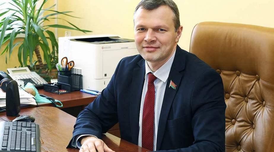 Олег Романов: «Государственные герб и флаг – важнейшие атрибуты суверенитета страны»